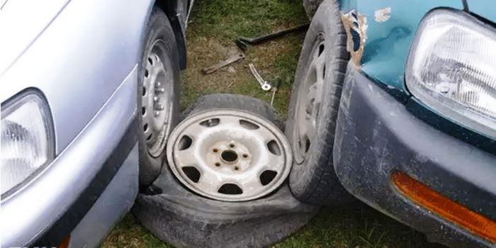 разбортировка колеса наездом