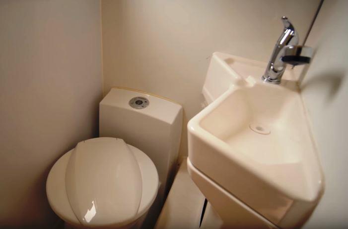 душ и туалет дом на колесах