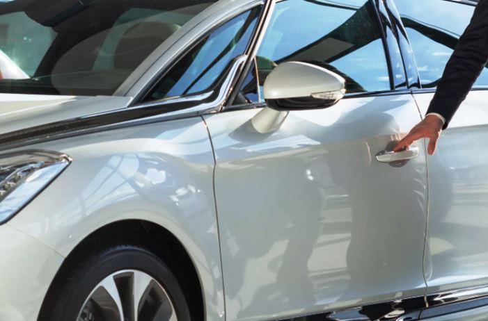 повреждения автмобиля у дилера