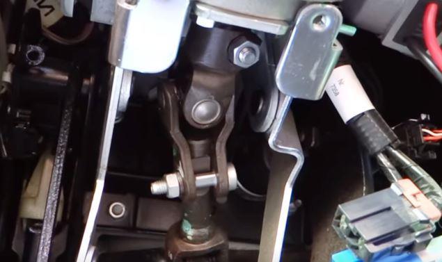 верхний рулевой карданчик