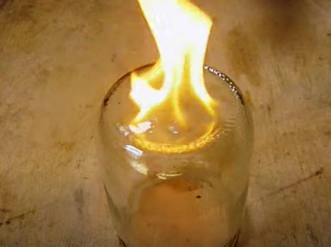 поджечь бензин для определения качества