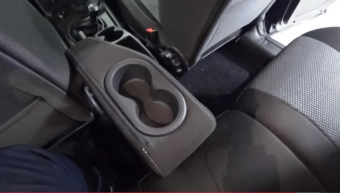 подстаканники для задних пассажиров