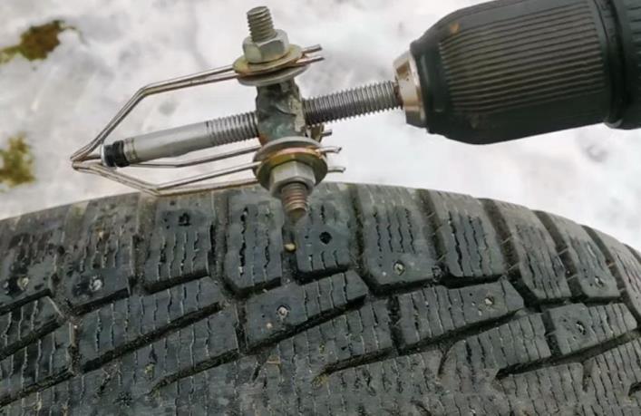 вставить ремонтный шип